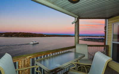 Stay on the Water's Edge at the Ledges! Point Building Condo Sleeps 6-8, Wi-Fi!