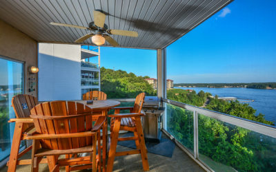 Emerald Bay 3BR Condo – Captivating Main Channel View near Pool – Screened Deck