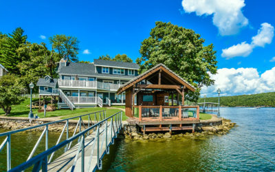Tiki Point! Your Ultimate Family Vacation Awaits: Boat Dock, HotTub, Guest House