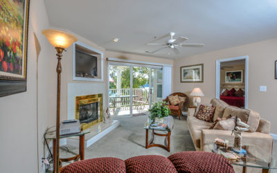Elegant Lakefront Parkview Bay Condo Near Pool Gorgeous State Park Views, Wi-Fi